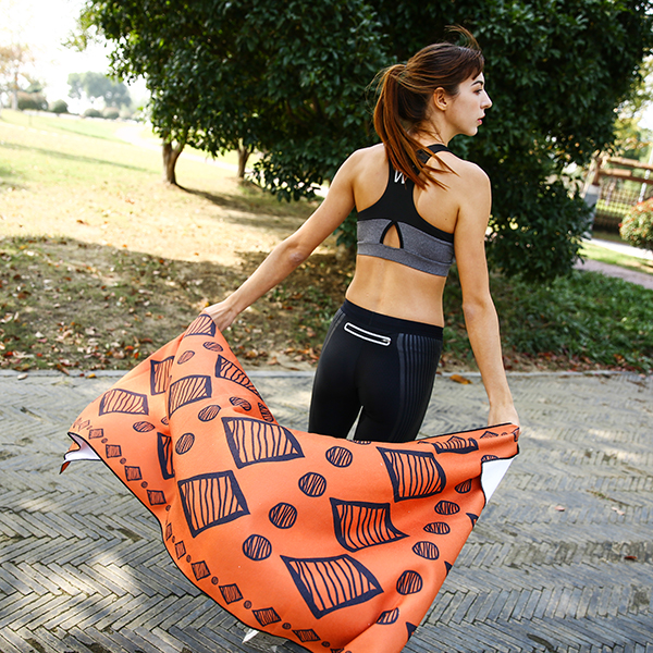 Absorbent Microfiber Yoga Towel For Gym And Outdoor